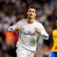 MOST AMAZING FOOTBALL PLAYER IN THE ENTIRE WORLD && IN REAL MADRID