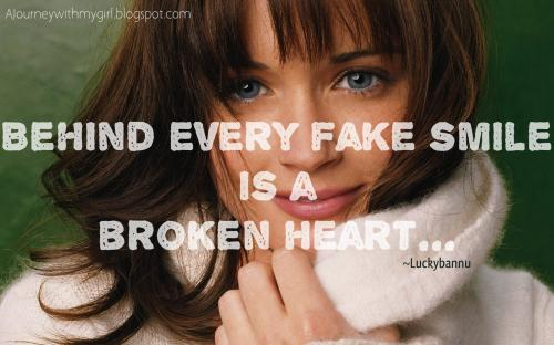 Luckybannu (Luckybannu) Fake Smile Quotes