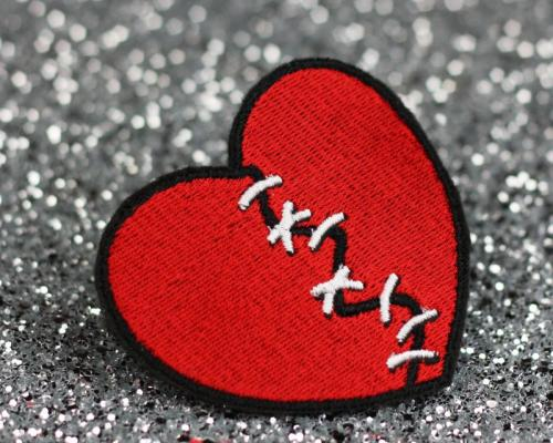 Dont let a broken heart over take you,cuz the person who broke your heart will regret it¥