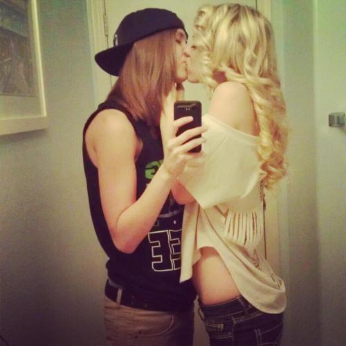 Lesbian Love 89