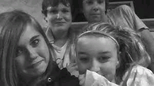 Lol, I look like poop. But anyway, the girl next to me is my ex-gf denna. Behind denna is gabe, and behind me is jacob. Oh my god, I miss this. This is when I was happy. </3