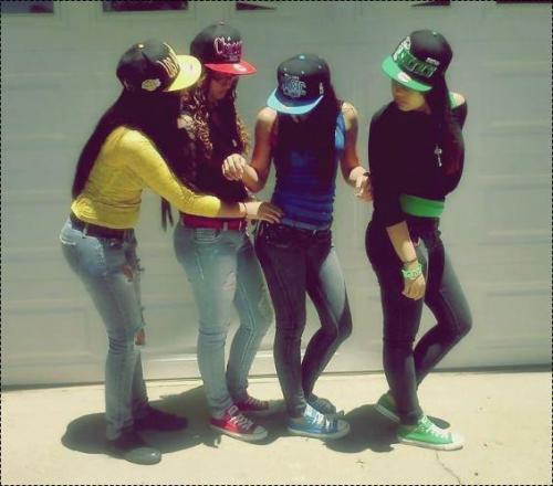 Me & My Girlsz. SinGle Girl Swaqqin'<33